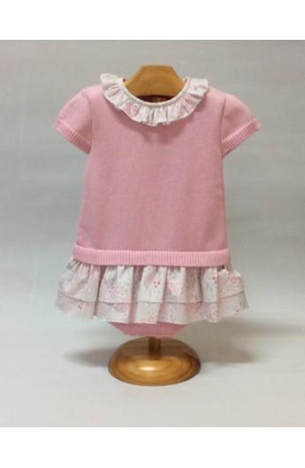 3f3b2a099 Pelele de punto de manga corta de color rosa con volantitos estampado